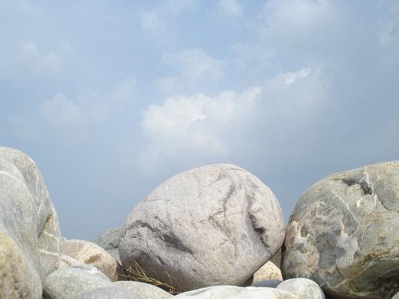 kosi riverbed stones