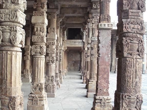 mosque pillars at Qutub Minar