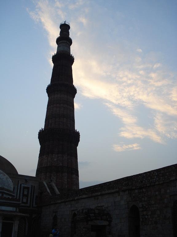 sunset at Qutub Minar