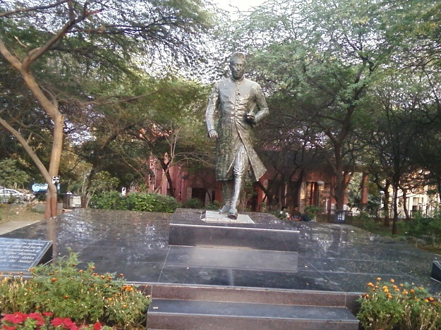 jawahar lal nehru statue