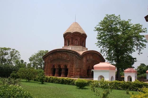 ananta basudeba temple bansberia