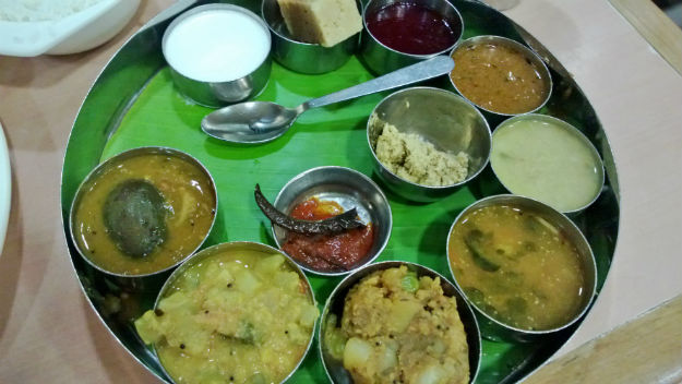 thali at sarvana bhawan delhi
