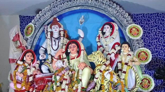 village durga at chittoranjan park