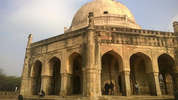 adham khan's tomb mehrauli