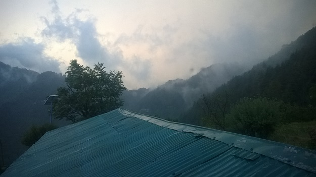 thunderclouds at East view homestay chail