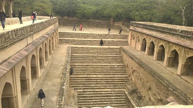 rajon ki baoli mehrauli archeological complex