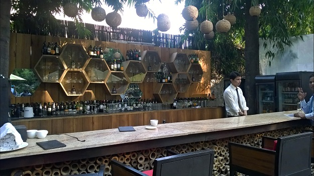 bar at lodi garden restaurant