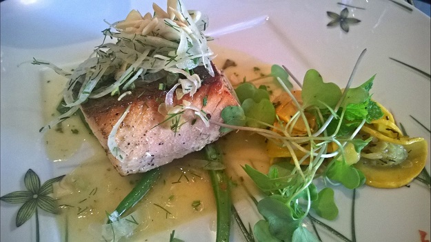 baked atlantic salmon with lemon parsley