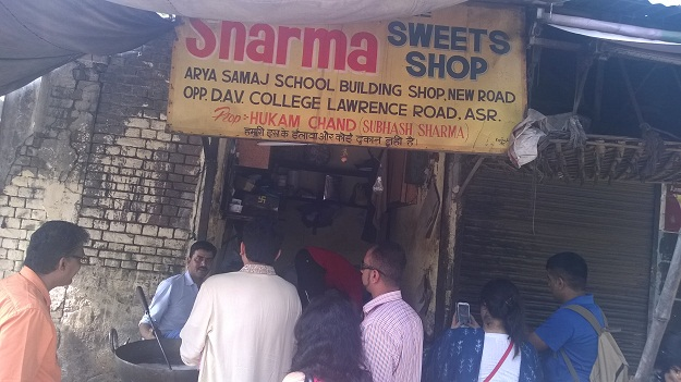 sharma sweet shop gulab jamuns