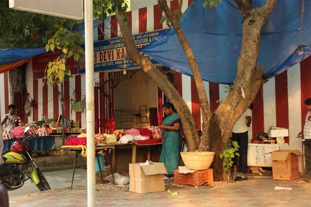 Devi Kamakshi Mandir Aruna Asaf Ali Marg