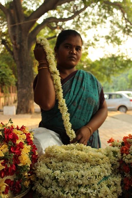flower seller delhi