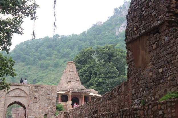 temple at bhangarh