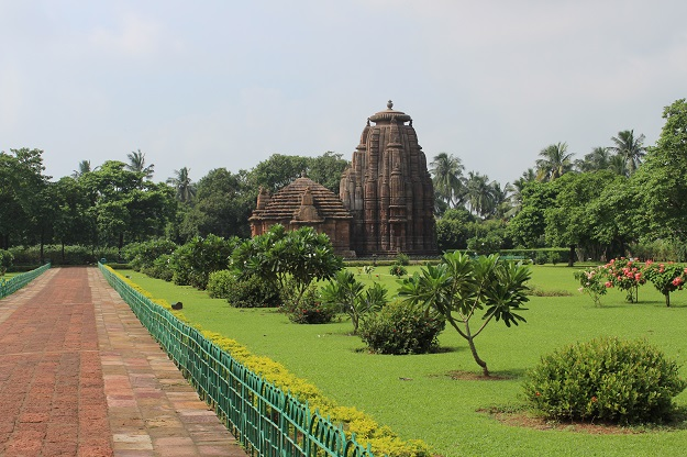 raja rani temple bhunbaneswar