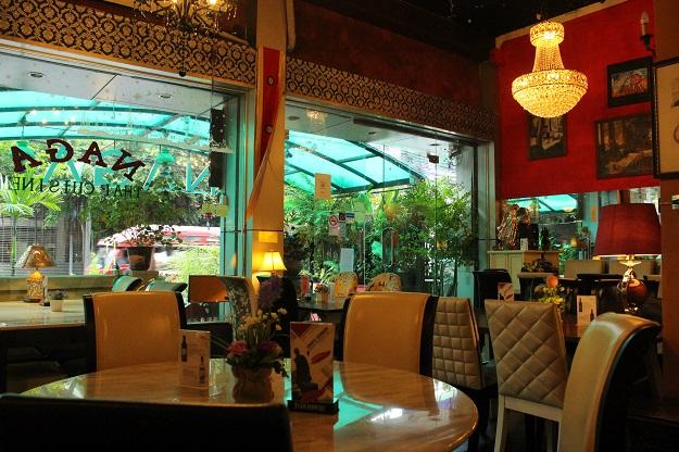 naga cafe bangkok